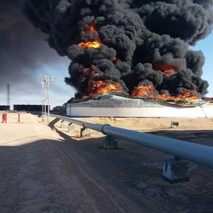 Libya Oil Output Slashed by Port Attacks
