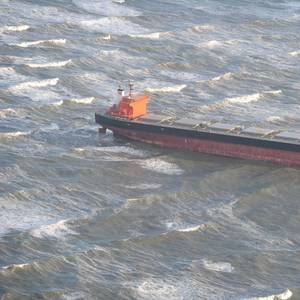 Bulker May Remain Stuck on German Sandbar until Friday