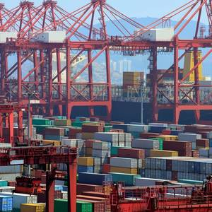 Expanded Shanghai Port Starts Trial Operations