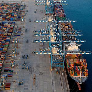 UAE Eases Qatar Shipping Ban