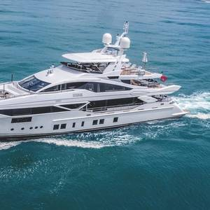 Elegance, Testosterone Dominate M/Y Ironman's interior