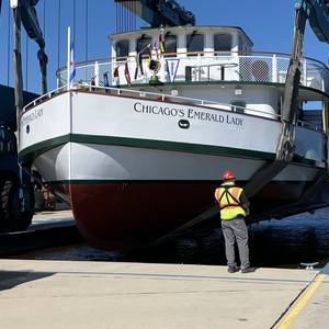 Burger Launches Tour Boat Chicago's Emerald Lady