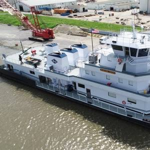 C&C Delivers New Towboat to Kirby