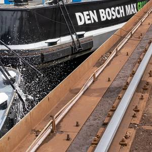Pair of Inland Container Vessels for Den Bosch Max BV Named