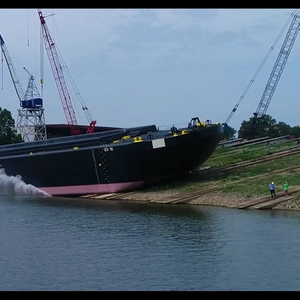 Dutra Launches Hydraulic Dump Scow
