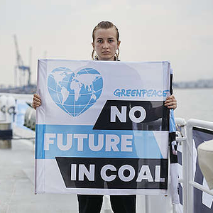 Polish Coast Guard Boards Greenpeace Ship in Coal Protest