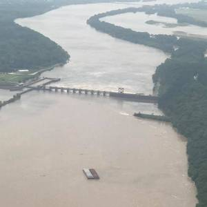 Barges Break Free, Hit Oklahoma Dam, Sink