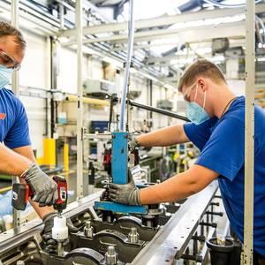Rolls-Royce's Power Systems Profitable  Despite 17% Revenue Plunge
