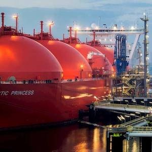 Rotterdam Port Expects Several Years of Rising LNG Bunker Use