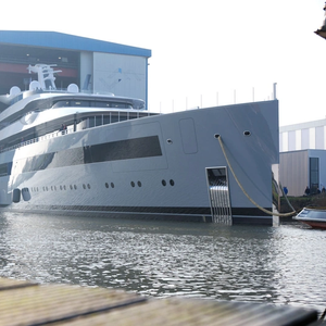 "Feadship Launches 99.95-M ""Moonrise"""
