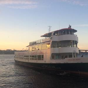 Gladding-Hearn Delivers Ferry for NYC's Circle Line
