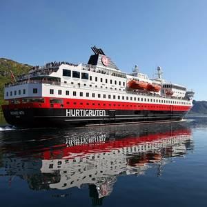 Hurtigruten Says Fleet Upgrades will Slash Emissions by 25%