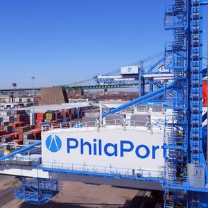 Video: Philly's New Port Cranes Go to Work