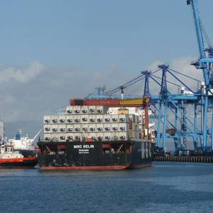 Port Officials Charged in Kenyan Corruption Clampdown