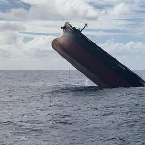 Wakashio Bow Section Scuttled off Mauritius