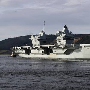 HMS Queen Elizabeth Docks in Scotland in Leadup to First Deployment