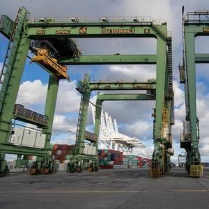 Long Beach Secures $2.4 Mln for Cleaner Cranes, Tugs