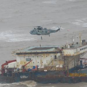 Fourteen Die Offshore India After Barge Sinks as Cyclone Batters West Coast