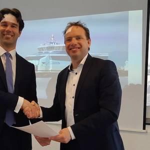 Rederij Doeksen Signs LNG Deal with Titan