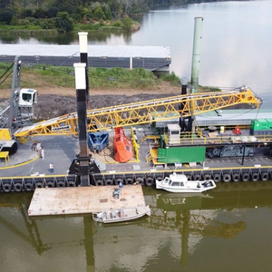 LAD Delivers Dredge Barge