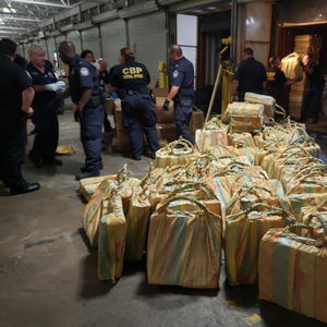 17.5 Tons of Cocaine found on Containership