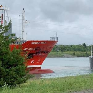 Video: Ships Collide Head on in the Welland Canal