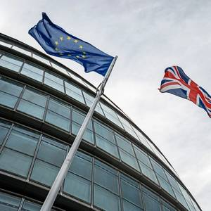 EU and UK Clinch Narrow Brexit Trade Deal
