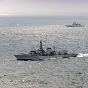 British Frigate Escorts Russian Ships through English Channel