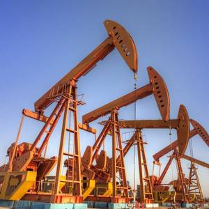 Macroeconomic Risks for the Oil Industry