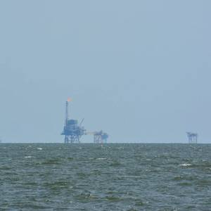 U.S. Offshore Oil Firms Eye New Bases after Storm Damages Key Hub in Louisiana
