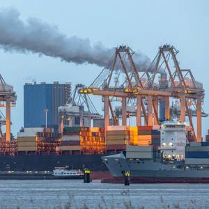 Dutch Gov't Awards $2.56B for Rotterdam Carbon Capture Project