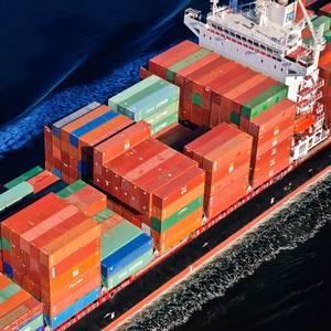 Seaspan Orders 10 More Box Ships for Charter to Zim