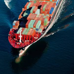 ZIM Opts for Five More LNG-fueled Containerships