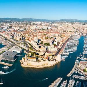 CMA CGM and Total to Develop LNG Ship Refueling in Marseille