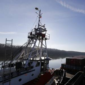 SHORTSEA CRANE OPERATIONS: Lifting a Port to Prosperity