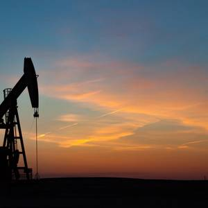 US Drillers Add Oil Rigs for 14th Week in a Row