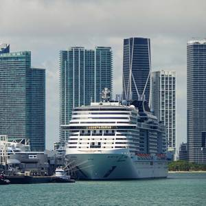 Florida Sues Biden Administration in Bid to Restart Cruise Industry