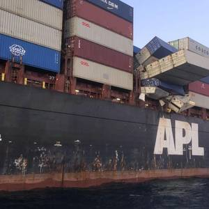 Australia Orders Shipowner to Recover Lost Containers