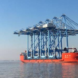 Tacoma's Giant Container Cranes to Arrive this Week