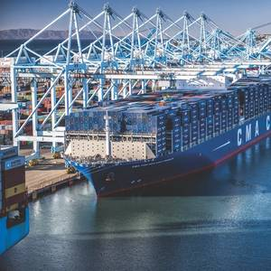 Managing the New Panamax Containerships