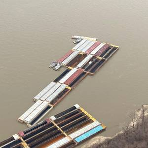 Barges Break Free on the Mississippi