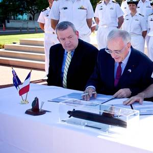 France, Australia Downplay Tensions over Submarine Deal
