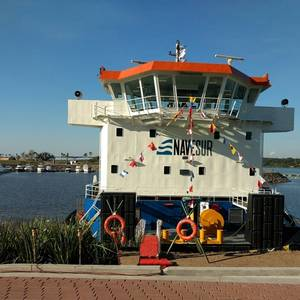 Powerful Shallow-Draft Paraguay Towboat