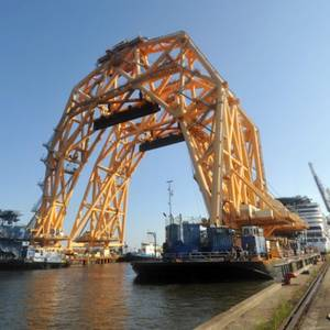Heavy Lift Vessel Heads to St. Simons Sound for Golden Ray Salvage