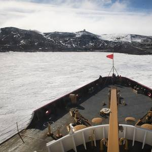 US Icebreaker Polar Star Reaches Antarctica