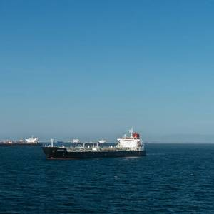 Surge in Oil Tankers at Anchor off California