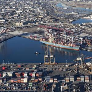 Los Angeles Cargo Volumes Down 30.9%