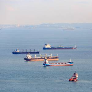 Singapore Awards Grant to Build LNG Bunker Vessels