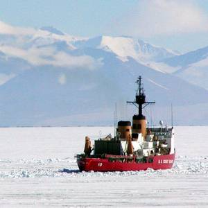 Defense Appropriations Bill Includes $1 Bln for US Icebreaker