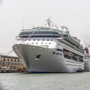 Study Takes Cruise to Task on Emissions